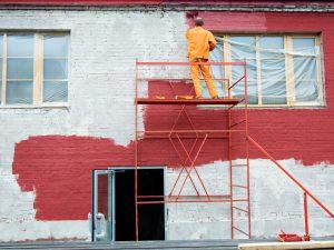Кто должен ремонтировать фасад многоквартирного дома?